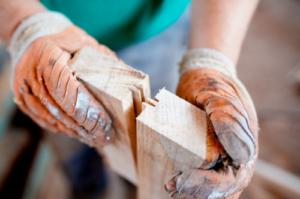 Lem kayu dan lem hpl Crona - Untitled design 2021 07 10T203323.566 e1625924773716