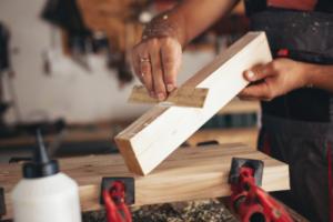Lem kayu dan lem hpl Crona - Untitled design 2021 07 21T194826.727 e1626873588540